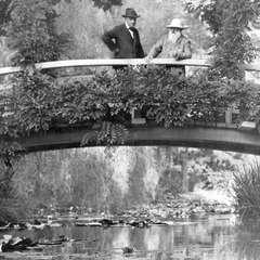 Monet w swoim ogrodzie - 1922 rok